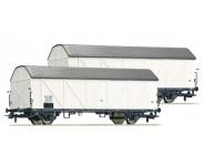 Diverse åpne og lukkede godsvogner