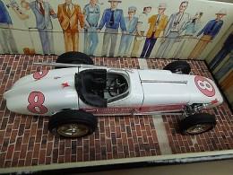 carousel-1-4409-watson-roadster-1-18-scale-1956-in