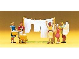 preiser-10050-women-hanging-washing-out-ho-gauge-f