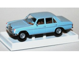 187-Brekina-23512-Mercedes-Benz-230-6-Limousine-in